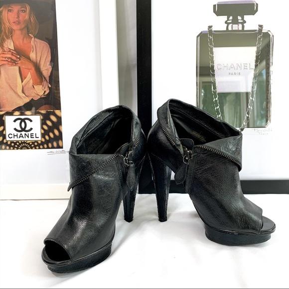 platform boot heels black